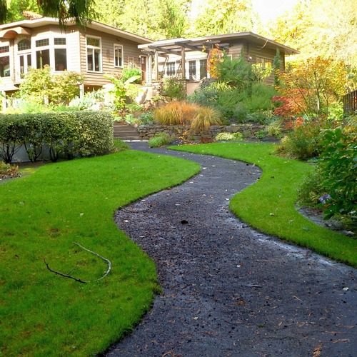 How to Install Lawn Edging