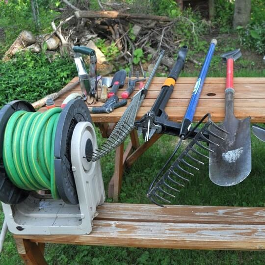 Necessary Tools for Installing Lawn Edging