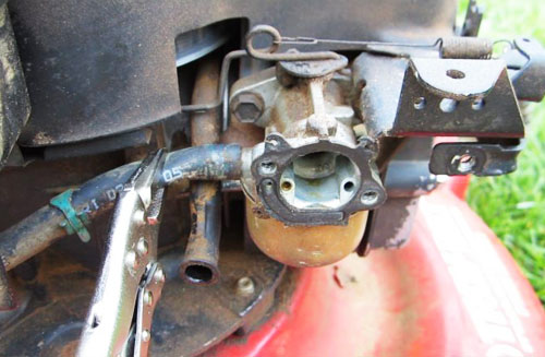 Steps To Clean Your Lawn Mower Carburetor