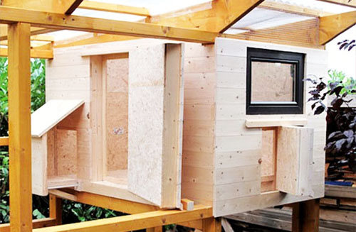 Ways to Reinforce a Chicken Coop Insulation
